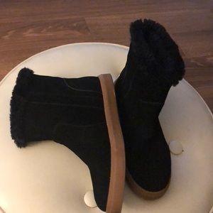 Steve Madden ugglike boots